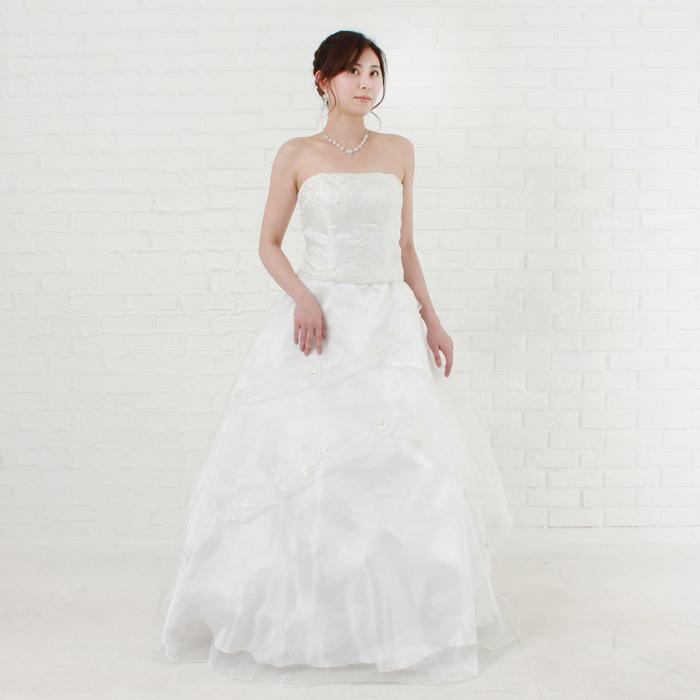 ビーズをふんだんに使った結婚式にピッタリのホワイトドレス