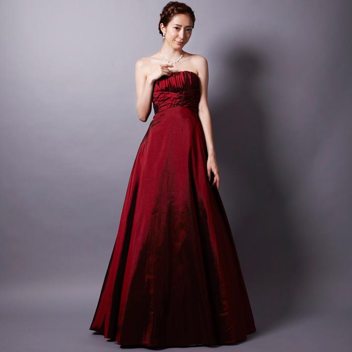 演奏会や二次会で大人の女性の魅力を引き出すワインカラードレス