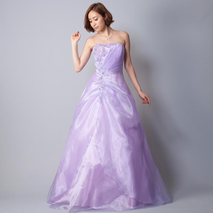 爽やかな季節にライラックカラーのドレス