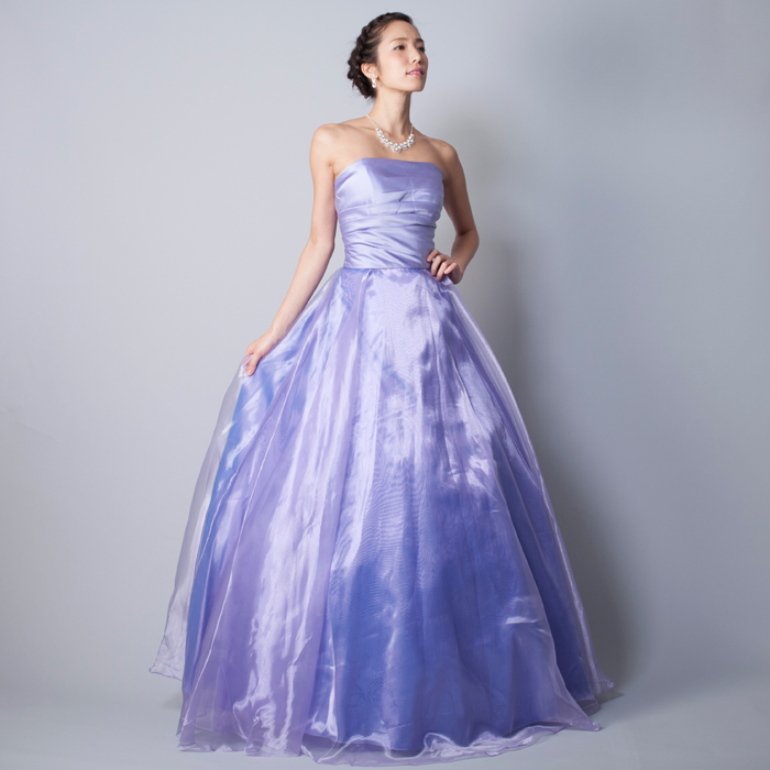 ライトパープルの可愛らしく落ち着いたカラードレス