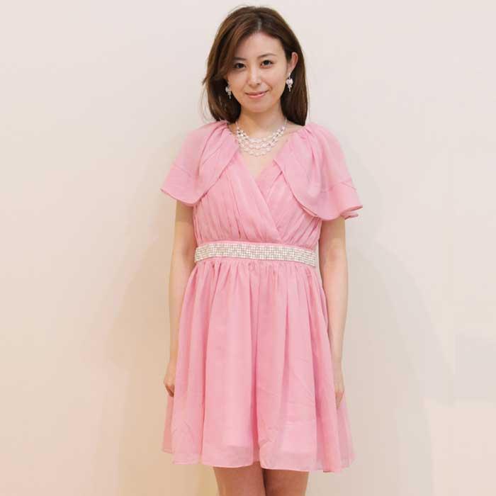 定番ピンクカラーの女子に人気の高いお呼ばれドレス