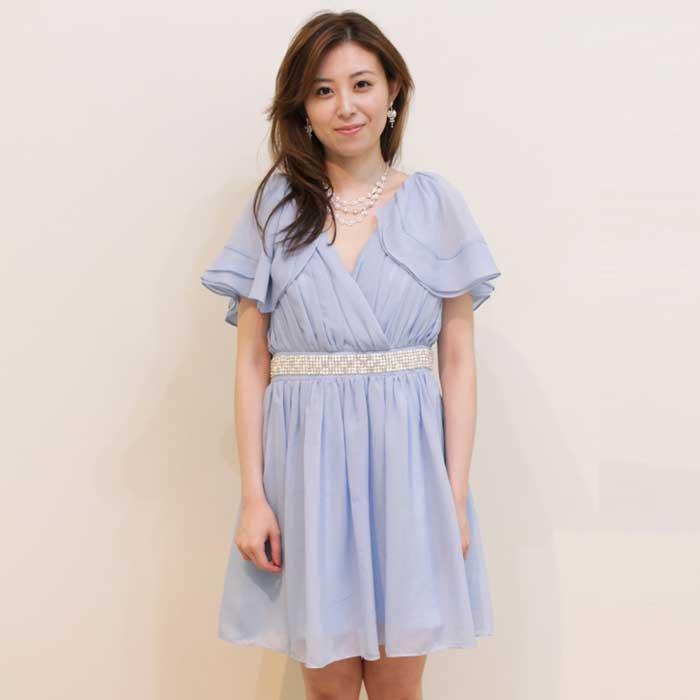 ラベンダーカラーの透明感のある印象のお呼ばれドレス