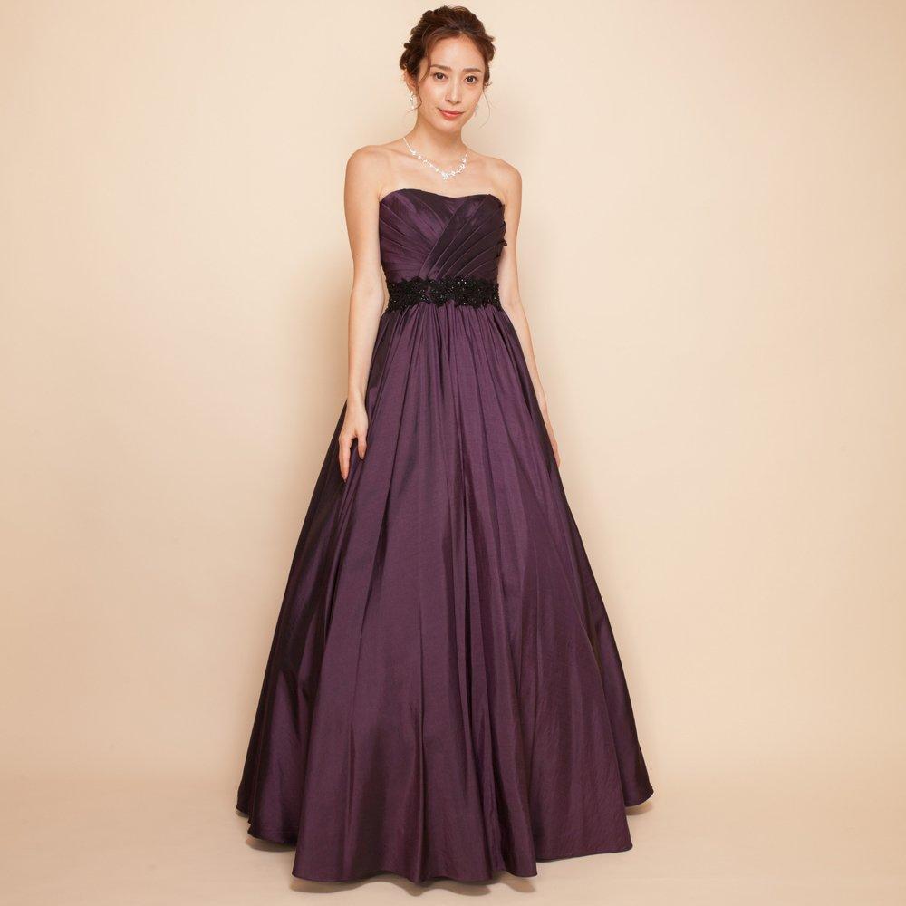 秋冬の演奏会に人気のエレガントなプラムカラーのドレス
