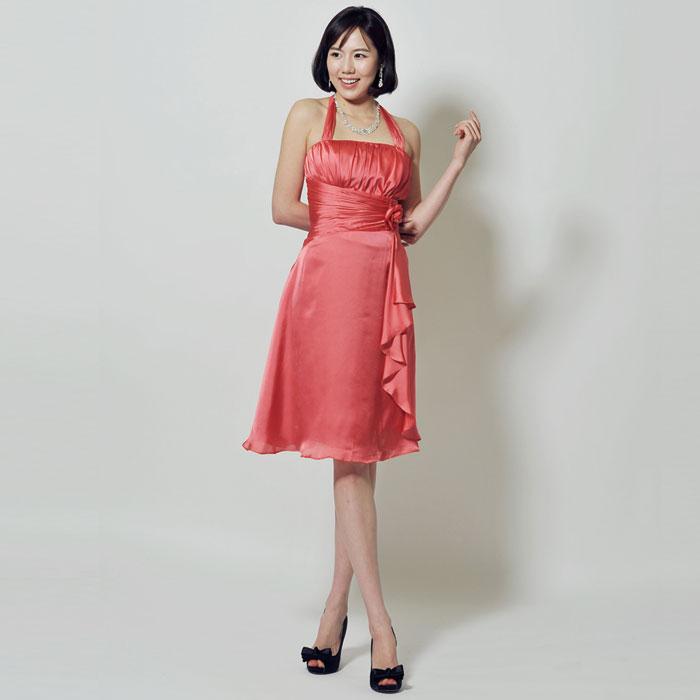 明るく温かみのあるコーラルオレンジのお呼ばれドレス