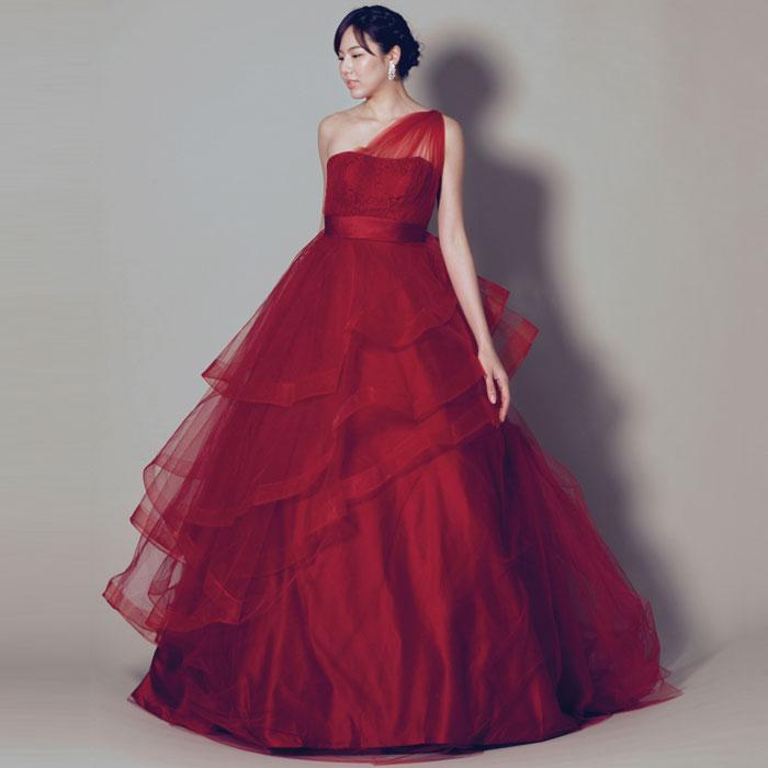 立体感が美しい、存在感満点のワインレッドカラーのウェディングカラードレス