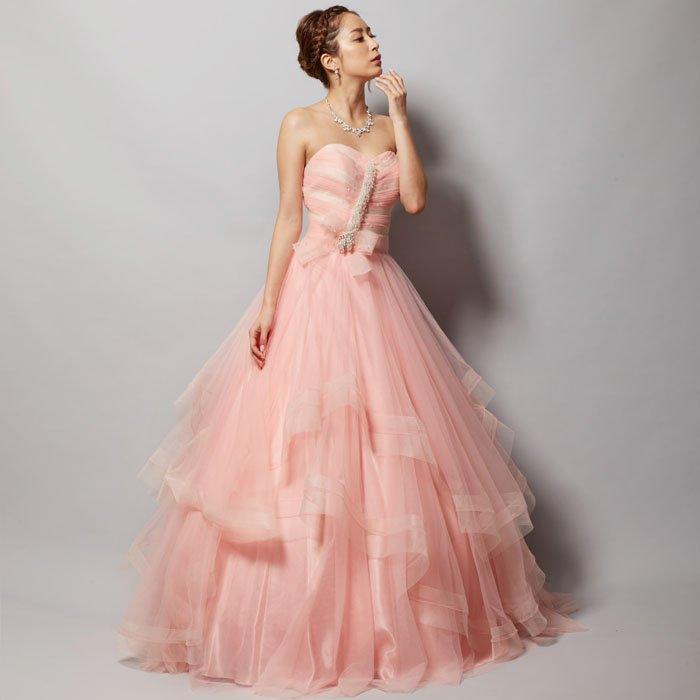 まるでお菓子のようなかわいいベビーピンク胸元ビジューボリュームロングドレス