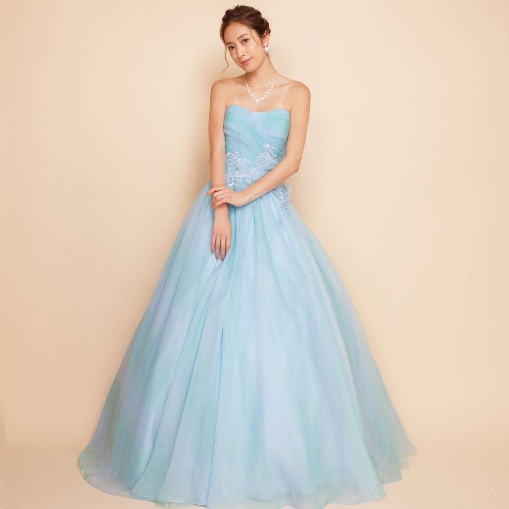 青空のようなグラーデーションが印象的オーガンジーボリュームロングドレス