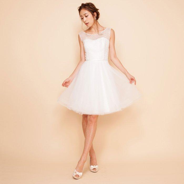 ミニ丈ウェディングドレス立体チュールスカートホワイトレースドレス
