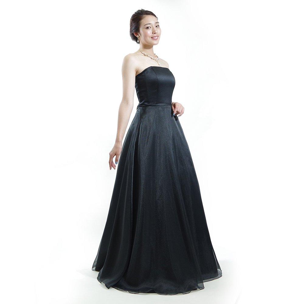 オーガンジーデザインのブラックドレス