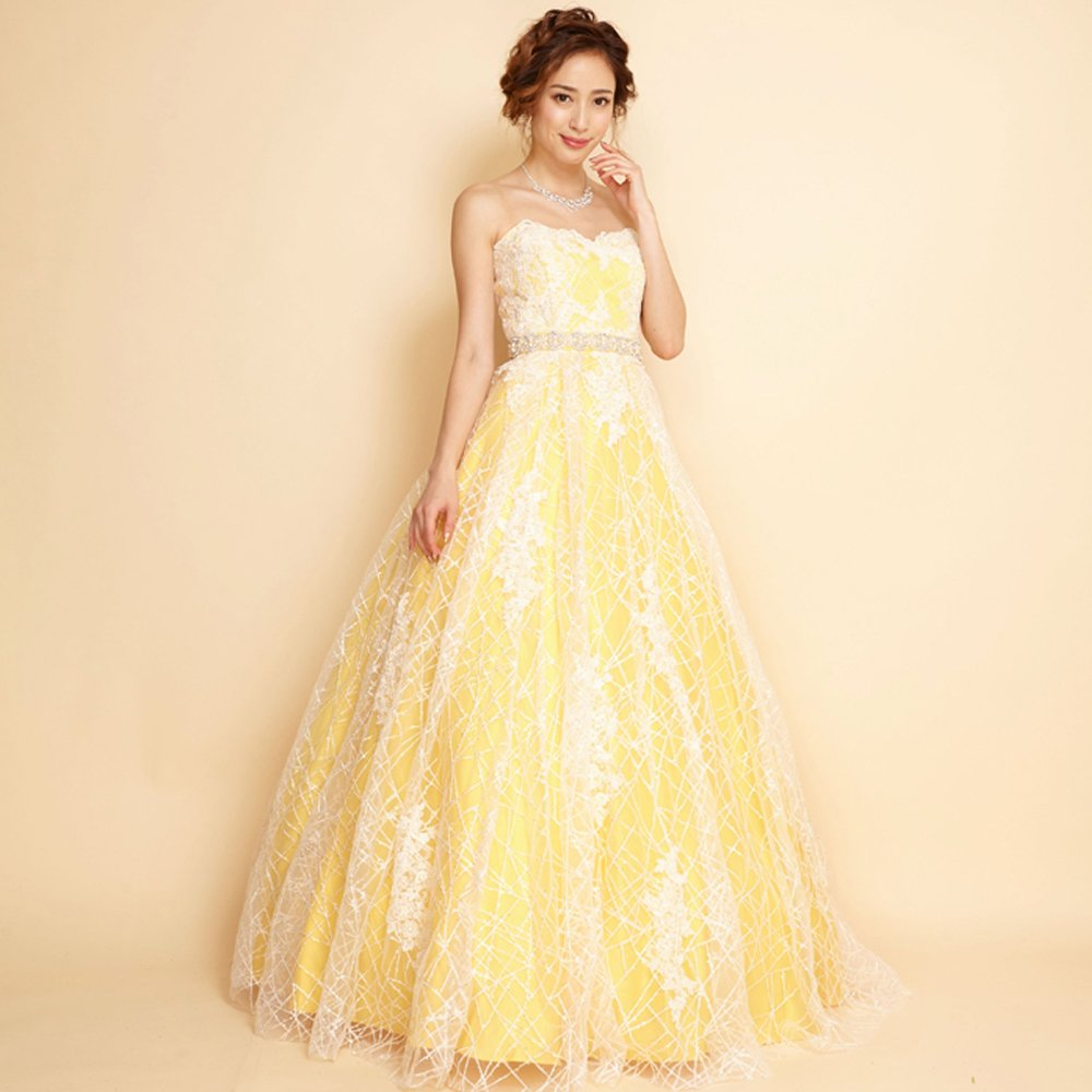 夏らしいイエローカラーが元気な印象を感じさせてくれるボリュームドレス