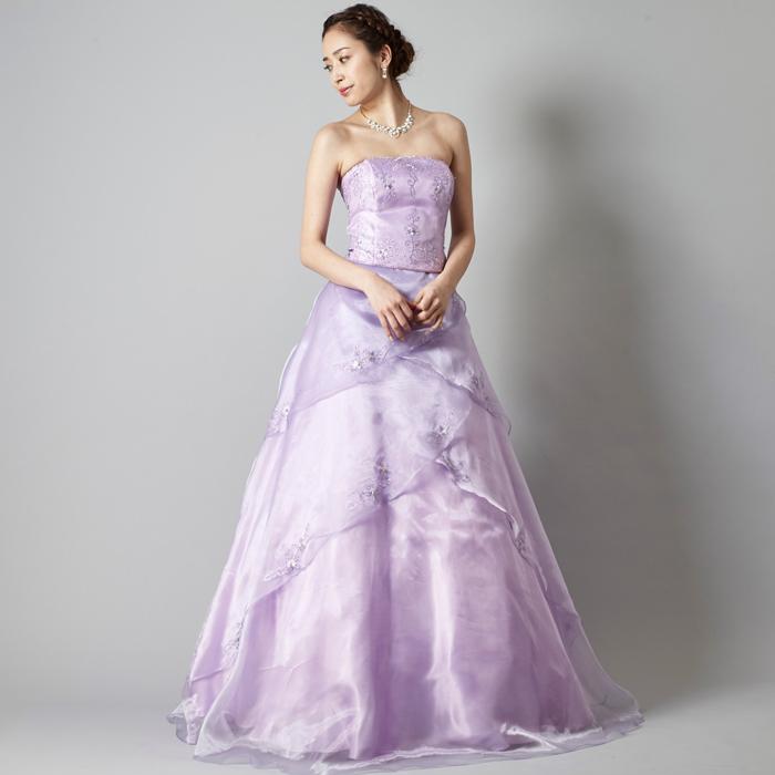 可憐でおしとやか、演奏会にはピッタリのライラックカラーのドレス