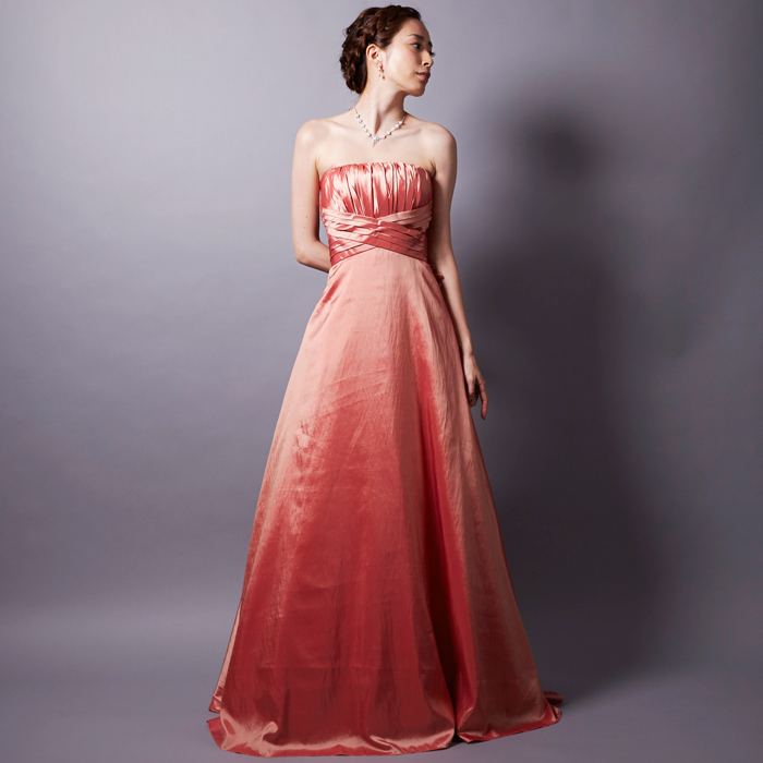 賑やかなイベントや演奏会、二次会に!コーラルオレンジの明るさと落ち着きのあるドレス
