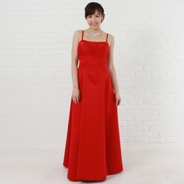 情熱のレッドカラードレスは華やかな舞台、演奏会やパーティー、二次会などのイベントにピッタリ