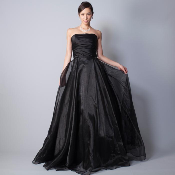 シックなブラックカラーのオーガンジースカートを使用したカラードレス