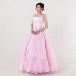 ライトピンクの可愛らしいお姫様のようなカラードレス