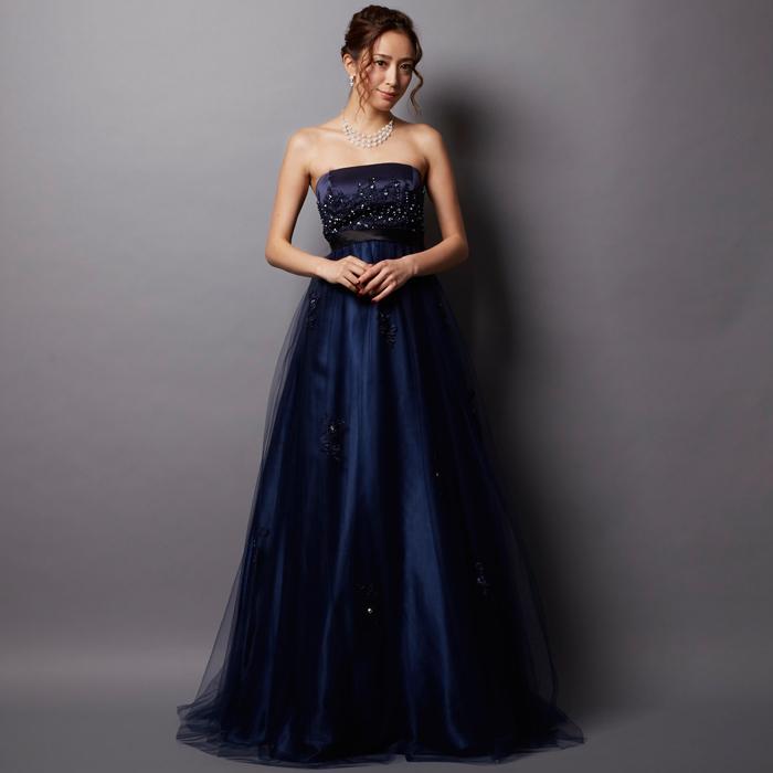 パーティーや演奏会など多様な場所に使えるトップスのキラキラビーズが綺麗なドレス