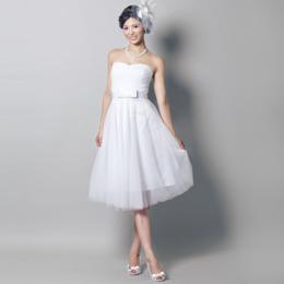 妖精のような真っ白なホワイトショートドレス