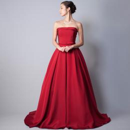 様々なステージに馴染んでくれる情熱的なレッドのステージドレス