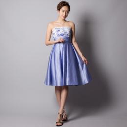 パーティーにぴったりな♪爽やかで涼しげなブルーパープルサテン刺繍ミディアムドレス