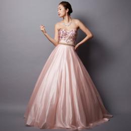 演奏会に人気の女性らしさ際立つパステルピンクカラードレス