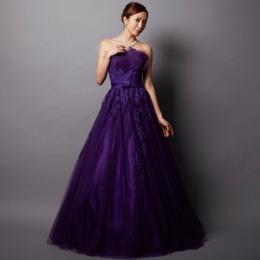 妖艶な大人の女性を演出してくれるパープルカラーのドレス一覧