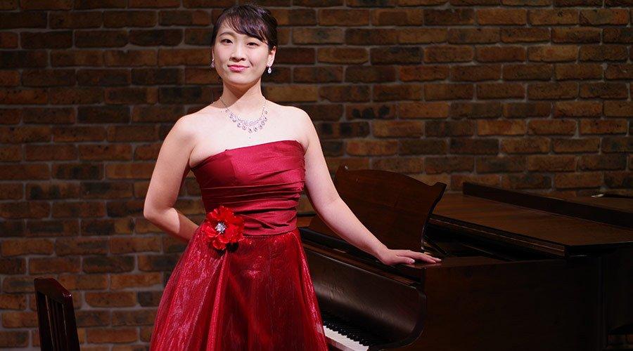 ピアノ伴奏者の方にお勧めなステージドレス