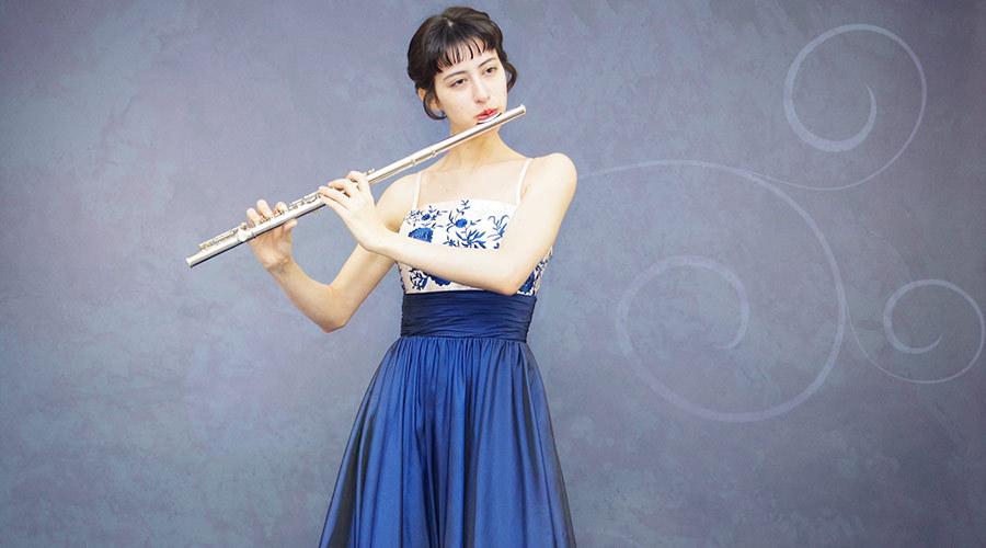 フルート奏者の演奏会ドレスを着こなすときの注意点とポイント