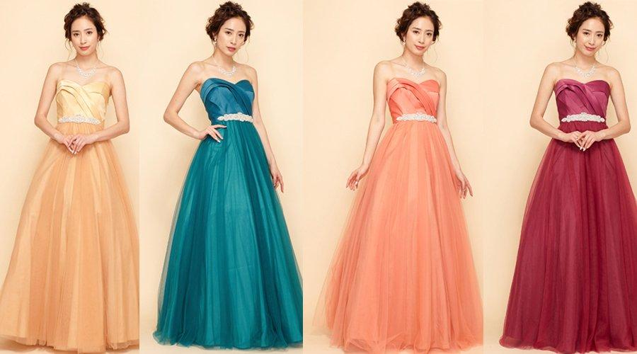 スレンダーな印象を感じる大人なシルエットが魅力的なロングドレス